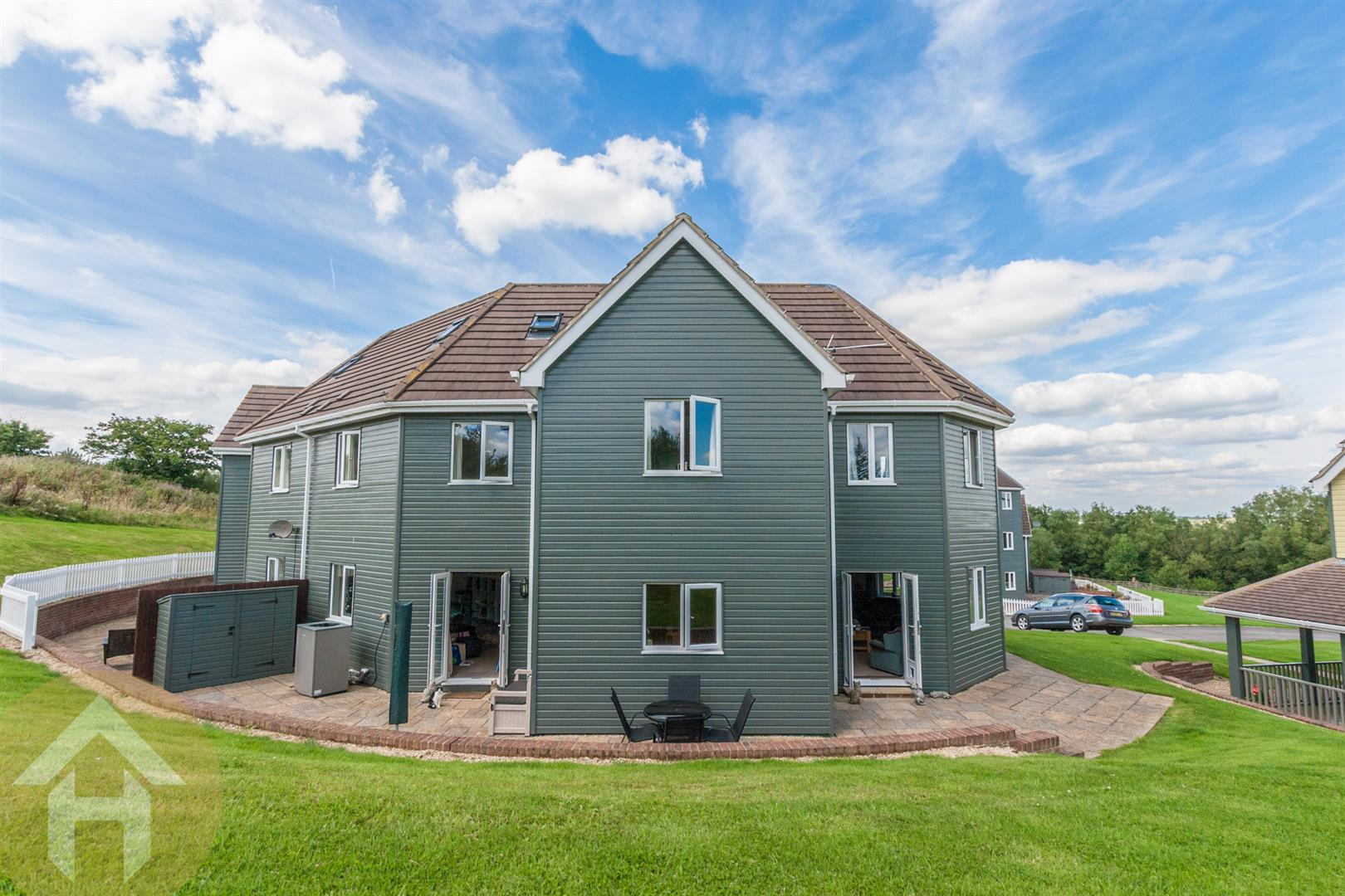 5 Bedrooms Semi Detached House for sale in The Wiltshire Leisure Village, Nr Royal Wootton Bassett